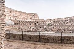 ROME - JUNI 14, 2014: Roman Colosseum inre Inre galleri Arkivfoton