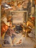 Rome - Kristi födelsefreskomålningen i sidokapell av den kyrkliga Chiesa dellaTrinita deien Monti Royaltyfria Bilder