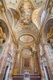 Rome - la nef du dei Lorensi de Chiesa di San Nicola d'église avec le fresque de plafond par Corrado Giaquinto des années 1731 -  Photographie stock libre de droits
