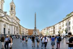 Rome, Lazio, Italië 25 juli, 2017: Overzicht van beroemde Piazza stock foto's