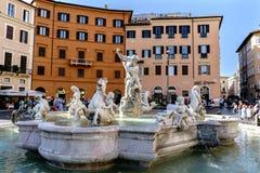 Rome Lazio, Italien Juli 25, 2017: Sikt av Neptunspringbrunnen, läge Royaltyfri Bild