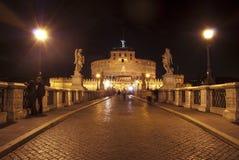 Rome. Le château de l'ange de rue Images stock