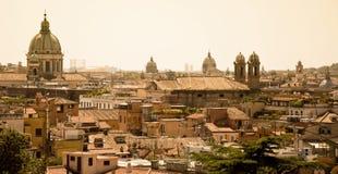 Rome panorama - stad av solen Arkivfoto