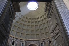 Rome panteon, inre royaltyfria bilder