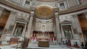rome r 21-ое мая 2019 много туристов в середине церков пантеона в Риме Популярные туристские назначение и a акции видеоматериалы