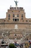 Rome - sikt av Castel Sant ` Angelo, slott av den heliga ängeln som byggs av Hadrian i Rome Royaltyfri Bild