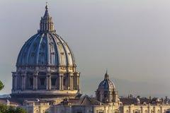 Rome - St Peter Basiliek in de Stad van Vatikaan Stock Foto's