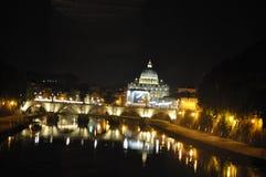 Rome, St Peters bij Nacht Royalty-vrije Stock Foto's