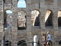 Rome stadspanorama Sikt av coliseumen Arkivbild