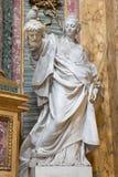 Rome - statyn av Judith av Pietro Pacilli (1769) i deien Santi Ambrogio e Carlo al Corso för barockkyrkabasilika Royaltyfria Bilder