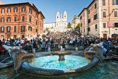 ROME - touristes aux opérations espagnoles Photographie stock libre de droits