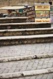 rome Van avec la barre vendant des sandwichs et des boissons Devant le Th photos stock