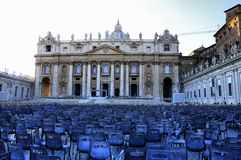 rome vatican Fyrkant för St Peter ` s efter massen fotografering för bildbyråer