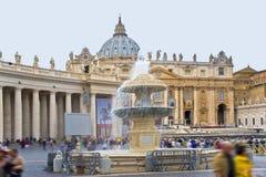 rome vatican Springbrunnen på fyrkanten Arkivbilder