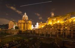 Rome vid natt, en olik punkt av sikten fotografering för bildbyråer
