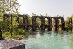 Romersk akvedukt i byn av Agios Georgios Preveza Greece Arkivfoto