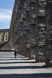 Romersk akvedukt, Segovia, Castilla y Leon, Spanien royaltyfri bild