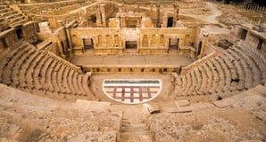 Romersk amfiteater i Jerash Royaltyfri Bild