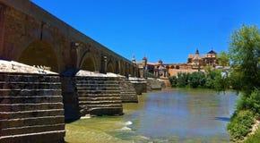 Romersk bro av Cordoba, Spanien arkivbild