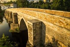 Romersk bro i aftonen Fotografering för Bildbyråer
