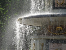 Romersk springbrunn i Peterhof Royaltyfria Foton