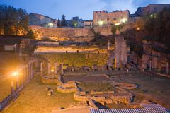 Romersk teater i Volterra arkivfoton