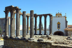 Romersk tempel, Evora, Portugal Arkivfoto
