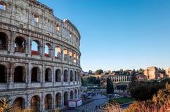 Romerska amfiteatrar i Rome på Januari 5, 2015 rund oval Arkivfoto