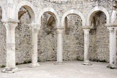 Romerska bågar i staden Rab arkivfoto