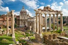 Romerskt fora i Rome royaltyfria foton