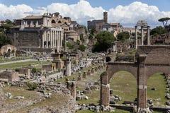 Romerskt forum Rome - Italien fotografering för bildbyråer