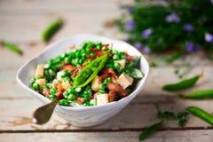 Romig Groen Pea Salad met Bacon Selectieve nadruk royalty-vrije stock foto