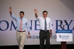 露指手套Romney和保罗・赖安 图库摄影