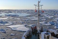 Rompehielos turístico - Groenlandia Fotografía de archivo libre de regalías