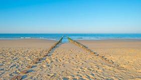 Rompeolas al mar en verano Fotografía de archivo libre de regalías