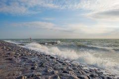 Rompeolas al mar en verano Imágenes de archivo libres de regalías