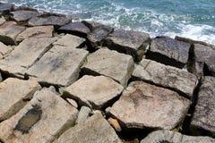 Rompeolas de piedra Imagen de archivo