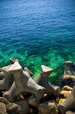 Rompeolas del mar fotos de archivo