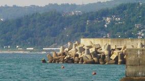 Rompeolas en el Mar Negro 4k, cámara lenta metrajes