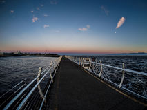 Rompeolas en Ogden Point en Victoria, A.C., Canadá; ti de la puesta del sol Fotografía de archivo