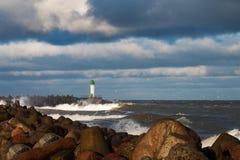 Rompeolas en tormenta Imagen de archivo libre de regalías