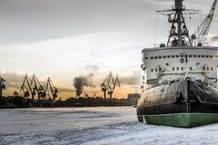 Rompighiaccio nell'inverno Fotografia Stock Libera da Diritti