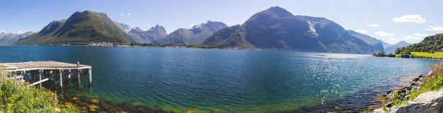 Romsdalsfjorden près d'Andalsnes en Norvège du sud Image libre de droits