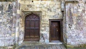 Romsey Abbey Doors en la fachada del norte Fotografía de archivo libre de regalías