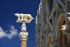 Romulus en Remus bij Kathedraal, Siena, Italië Royalty-vrije Stock Foto