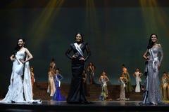 Rond final de Mlle Supranational Thailand 2017 sur la grande étape a Photos stock