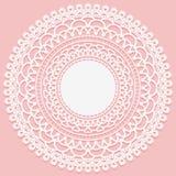 Rond openwork servet Kader met subtiel wit weefsel op een roze achtergrond Vector illustratie Stock Afbeelding