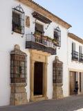 RONDA ANDALUCIA/SPAIN - MAJ 8: Gataplats i Ronda Andalucia Royaltyfri Bild