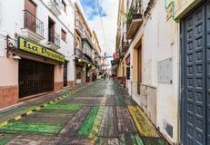 RONDA, ESPAGNE 15 DÉCEMBRE 2013 : Rue de Ronda le réveillon de Noël. P Photographie stock libre de droits