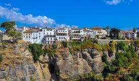 Ronda, Hiszpania stary grodzki pejzaż miejski na Tajo wąwozie obrazy stock
